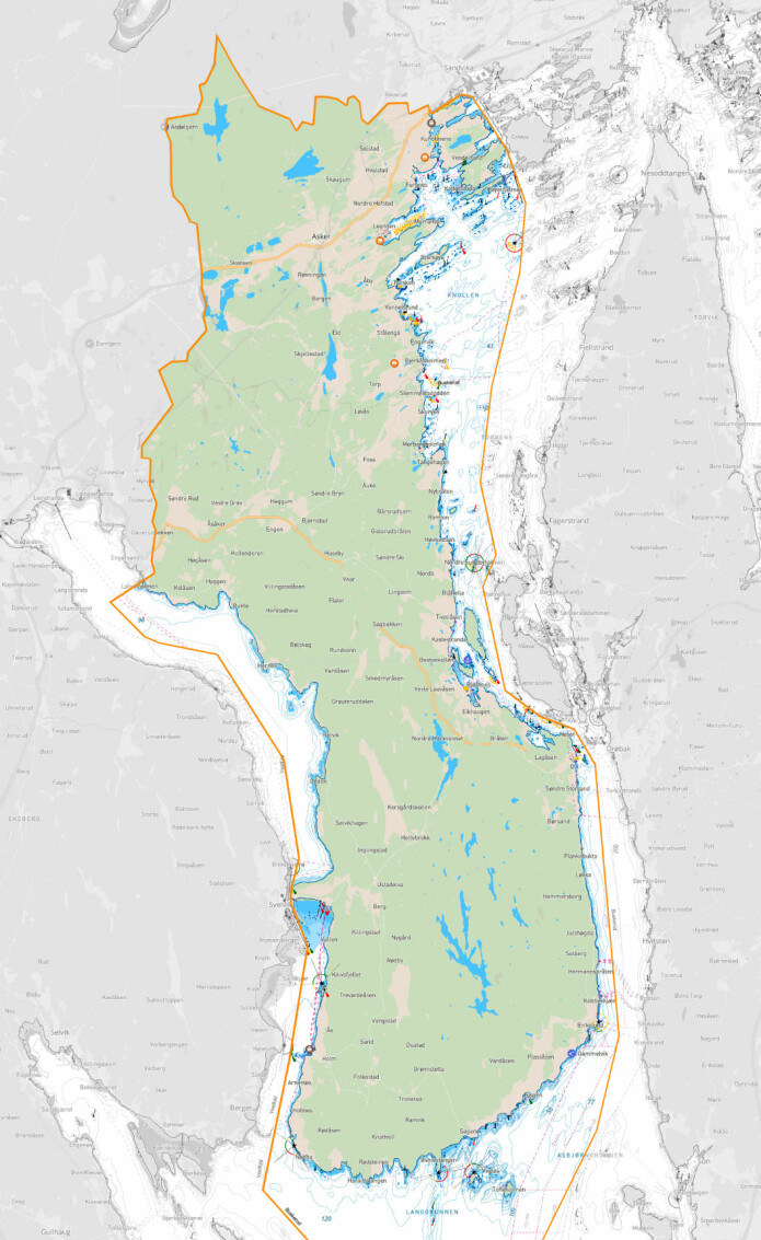 ASKER: Kyststripen strekker seg helt fra Nesøya og Slependrenna i Indre Oslofjord, rundt hele Hurumlandet og inn til Hyggen i Drammensfjorden. En båttur langs grensen er på over 40 nautiske mil og er en lang dag i snekkefart.