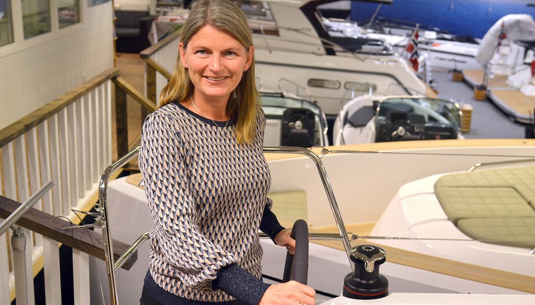 BÅTDILLA: Lene Conradi elsker sjø og båtliv og er stolt over båttradisjonene i Asker.