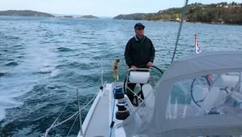 TRANSPORT: Elmotor er best for båtfolk med god tid. Løsningen gir en rekke fordeler, men krever mer planlegging. Henrik Torgersen har andre sesong i sin Arcona 410 Hybrid.