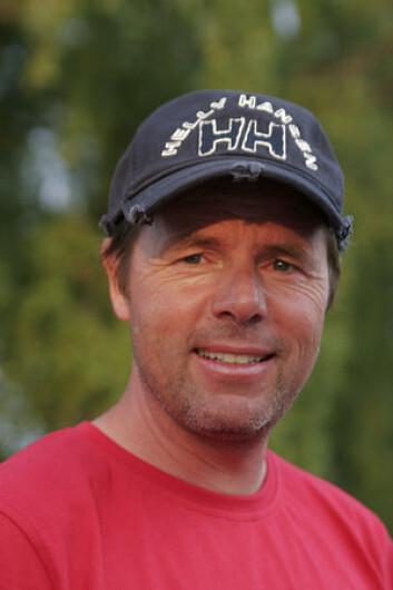 TRENER: Lars Loennechen skal hjelpe norske 29er-seilere til å være best mulig forberedt til EM.