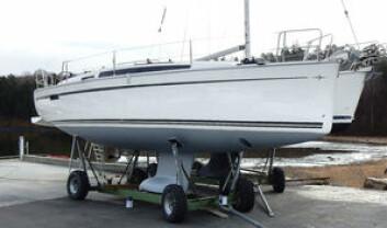 ASKER: Bavaria Cruiser 34 er endelig i Norge. Båten klargjøres nå i Leangbukta for eieren.