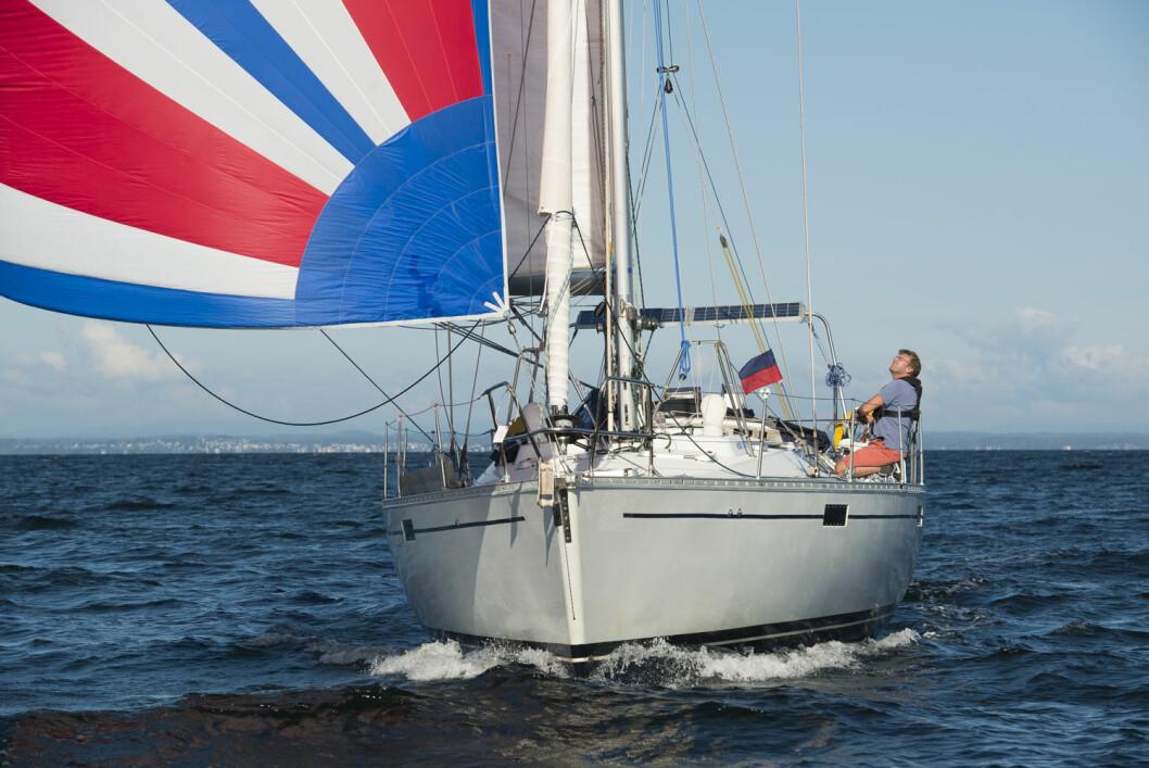 MESTRING: Zhik Skjæløy OneStar dreier seg ikke bare om å vinne, det handler mest av alt om å mestre en større båt alene? og glede seg over å klare det.