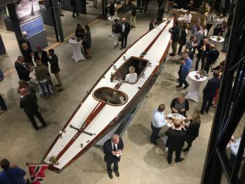 6-METER: En nybygd 6-meter etter Johan Ankers tegninger var sentralt plassert i utstillingshallen.