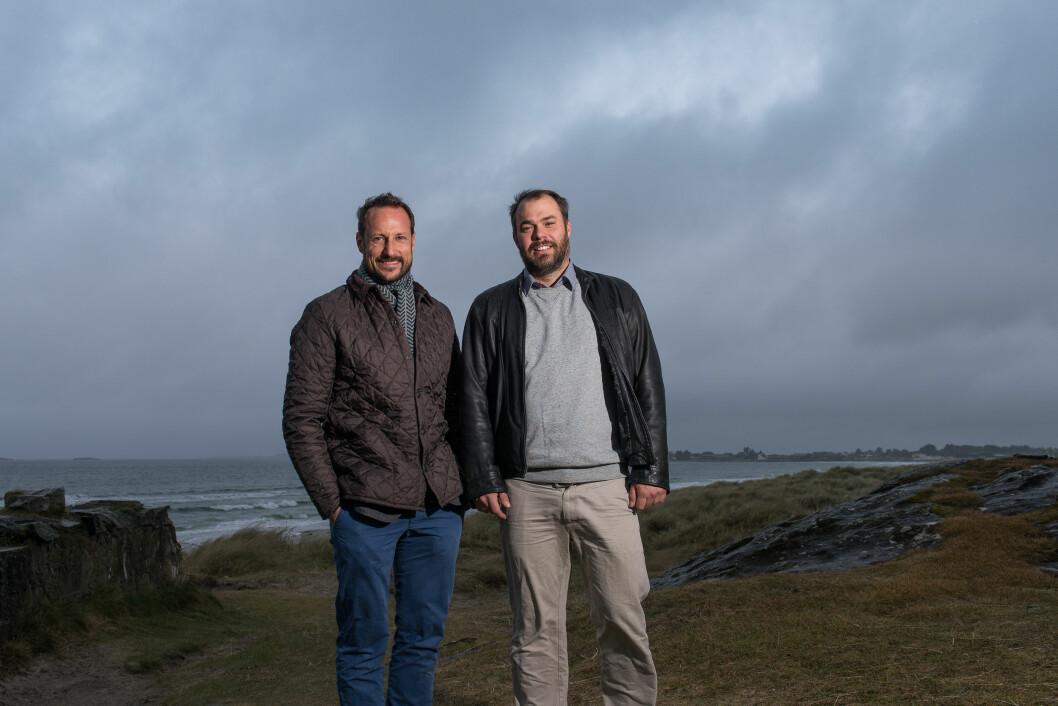 ENGASJERT: Kronprins Haakon engasjerer seg i surfing på organisatorisk plan i Norges Seilforbund.