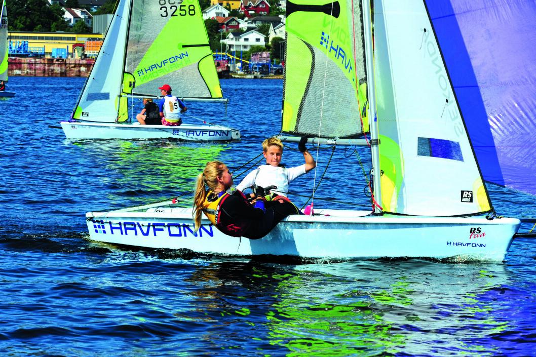 INNVITERT: Alle landets RS Feva-seilere er invitert og kan få sjansen til å seile på Bermuda når America?s Cup starter.