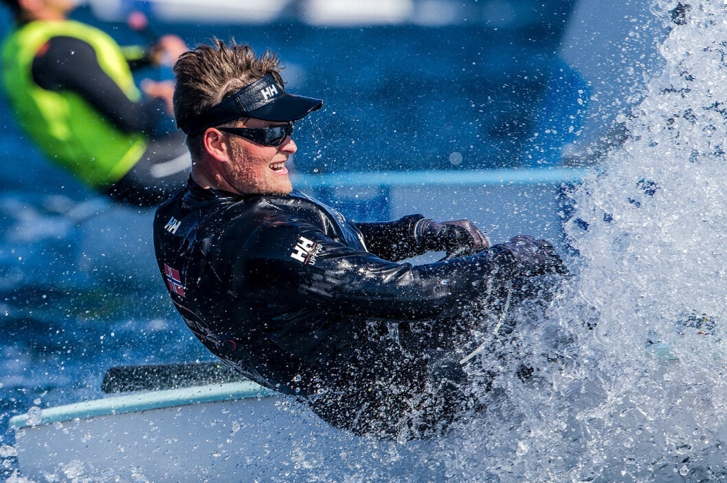 FINALE: Anders Pedersen seiler finale i Finnjolle i dag. Følg finalene live på seilmagasinet.no fra kl 12:00.
