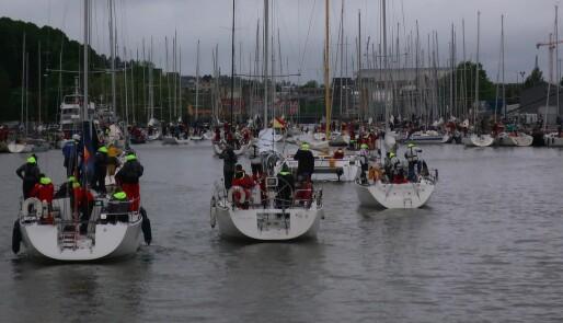 Våte og slitne seilere i Tønsberg