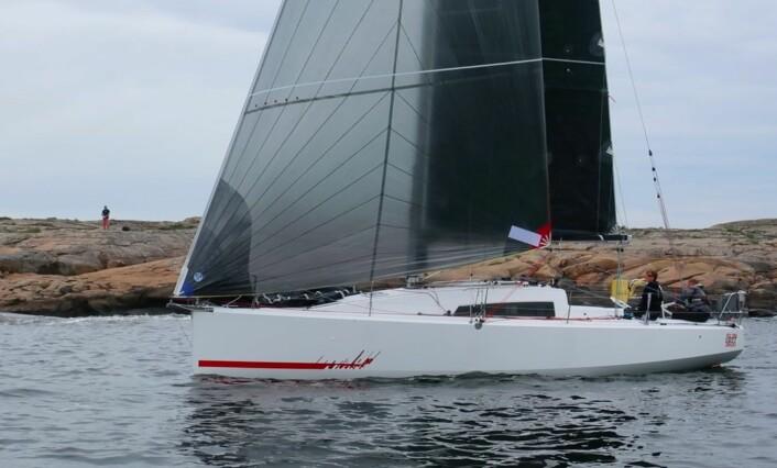RASK: Sunfast 3600 er et typisk eksempel på en moderne havseiler. En båt med stor cockpit, lav vekt og som planer på slør.