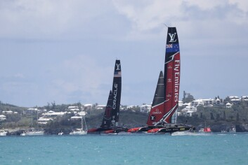 Emirates Team New Zealand ånet de 35. seilaser om America's Cup med to strake seire.