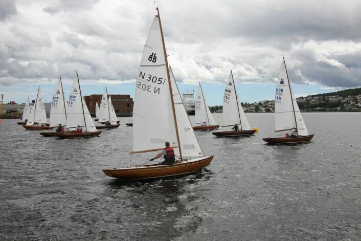 17 BÅTER: 17 båter deltok i BB 11-NM.