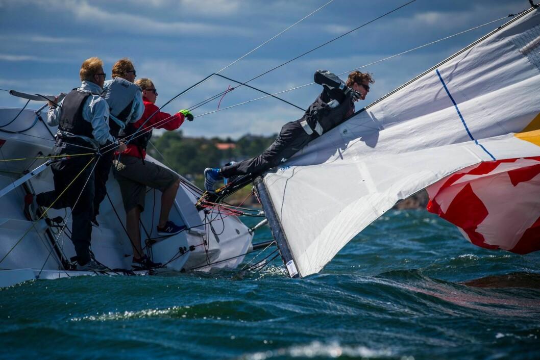 KULING: Frisk vind under andre runde av Seilsportsligaen.