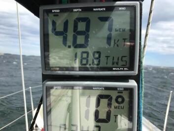 FRISKT: 18,8 m/s på vindmåleren syd for Tjörn. Vinden skal holde ett døgn til.