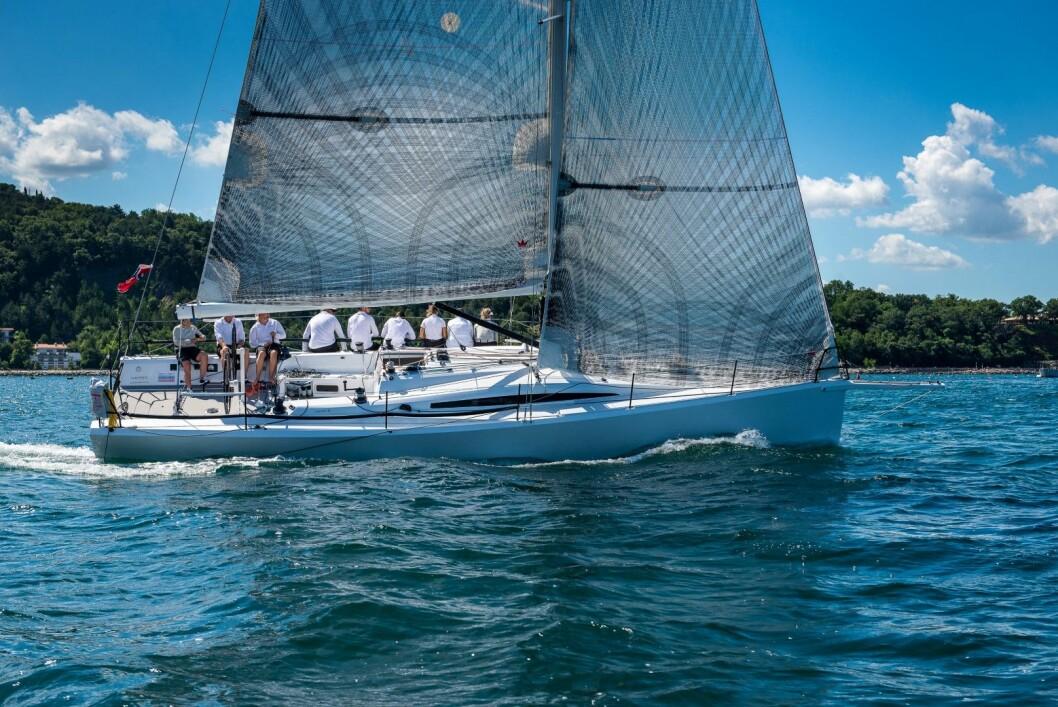 NY:Aquatich 40 utviklet av Bjørn Erik Bjørnsens sammen med Humphreys Yacht Design, bygget i Slovenia.
