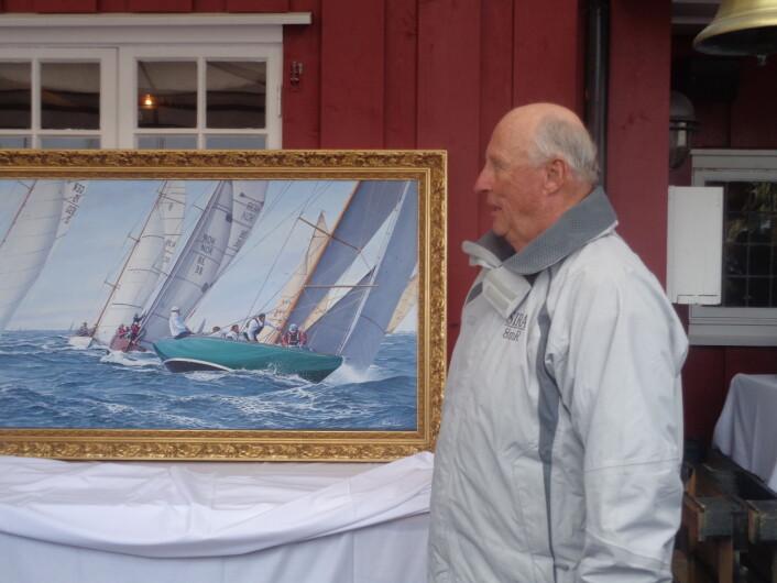 Niklas Amundsons bilde av «Sira» var seilergaven til Kongen i forbindelse med 80 års dagen
