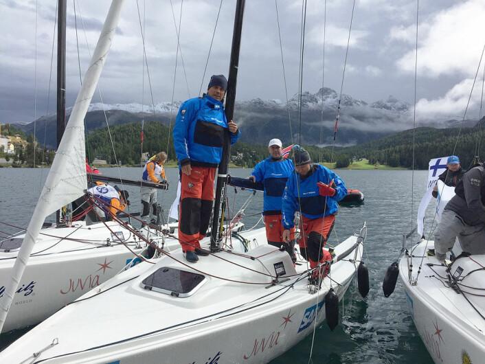 KLARE: KNS-laget er klar til dyst på innsjøen i St. Moritz i Sveits.