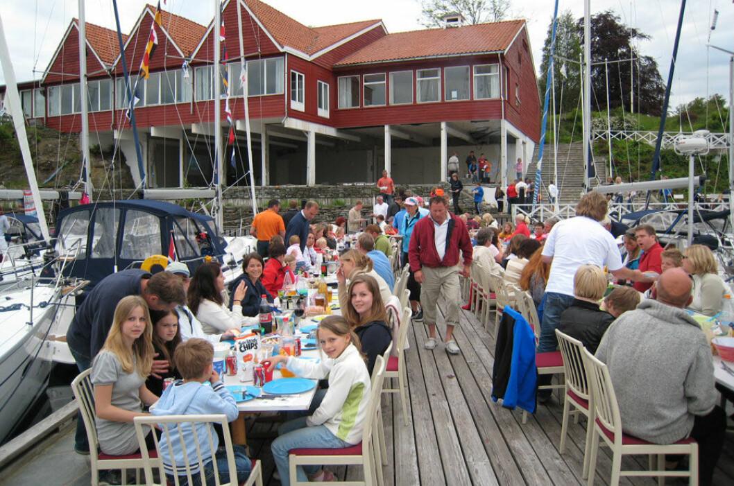 FOLKSOMT: Det blir folksomt når 35 Bavaria-familier møtes i Son. Bildet er fra et tidligere Bavaria-treff.