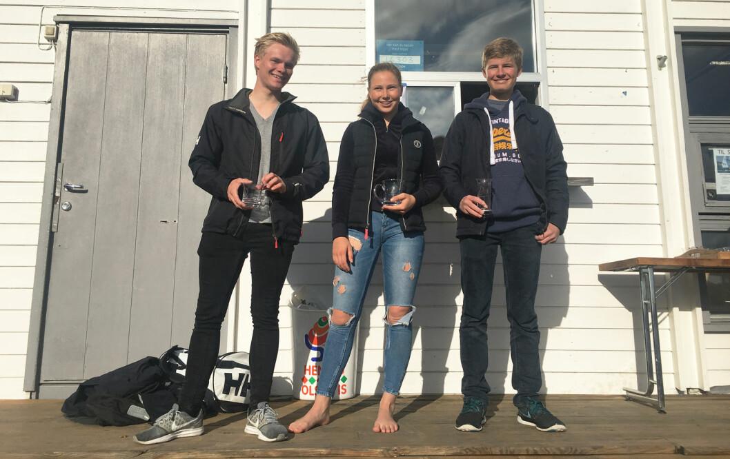 TRE SEIRE: Guro Gjesdal vant alle seilasene i Laser 4.7-klassen i Bærum.Henrik Kaastad Ørjavik (t.v) ble nummer to og Thomas Frigstad nummer tre.