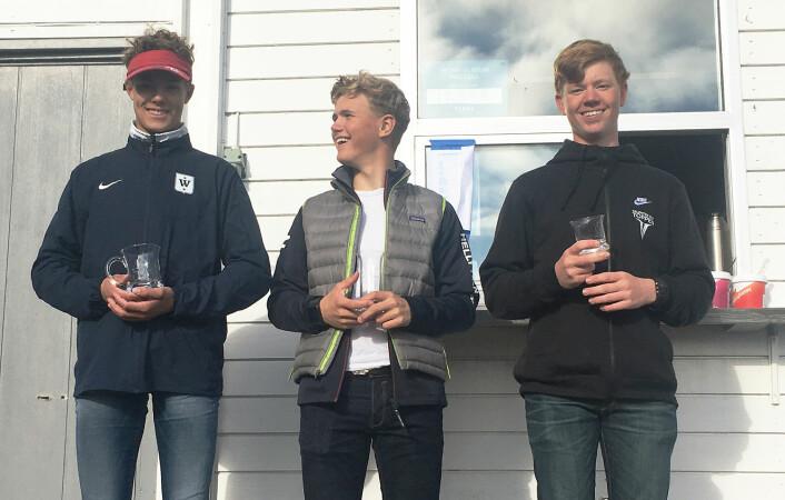 LASER RADIAL: Christoffer Sørlie (i midten) vant foran Uffe Tomasgaard (t.v) og Olai Hagland.