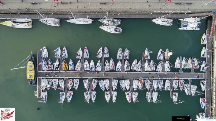 LA ROCEHELLE: Miniene har fått hedersplass i seilbyen. Her ligger også følgebåtene.