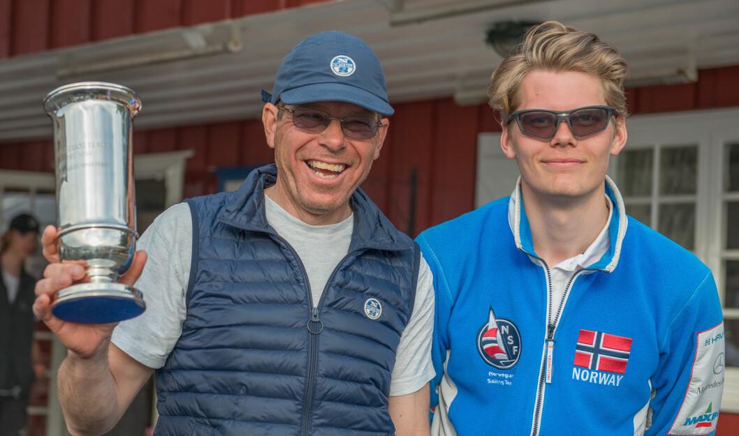 FAMILIE-TRIUMF: Far og sønn Rishoff, Elling og Øyvind, la beslag på de to øverste plassene på listen over Årets Shorthanded-seilere.