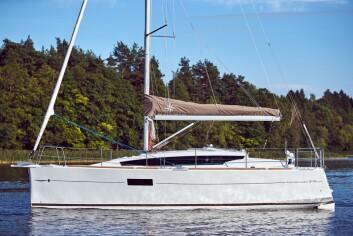 FACELIFT: Sun Odyssey 319 bygges av Delphia, og er en Delphia 31 med en oppfriskning.