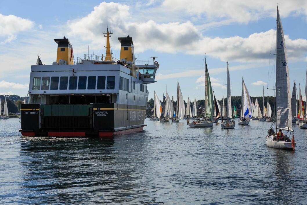 TRANGT: Det er store utfordringer når nesten 500 båter skal gjennom trange sund.