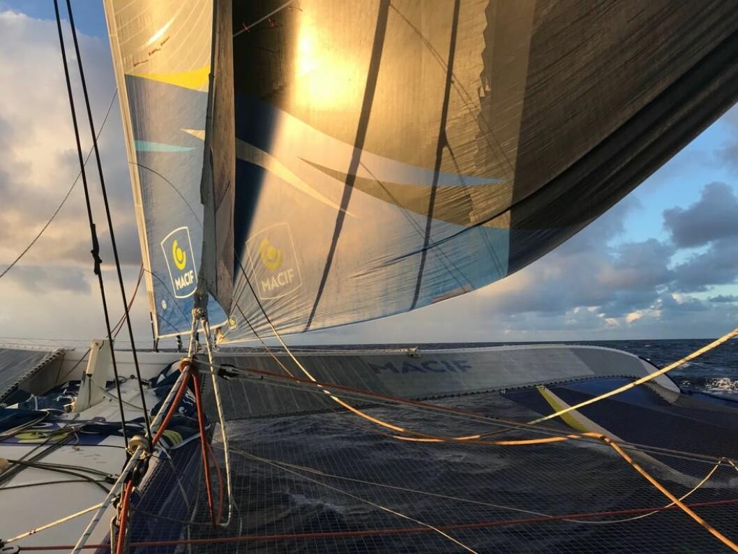 PASSATEN: Macif er forbi Kapp Verde på under fire døgn seilas fra Den Engelske Kanal.