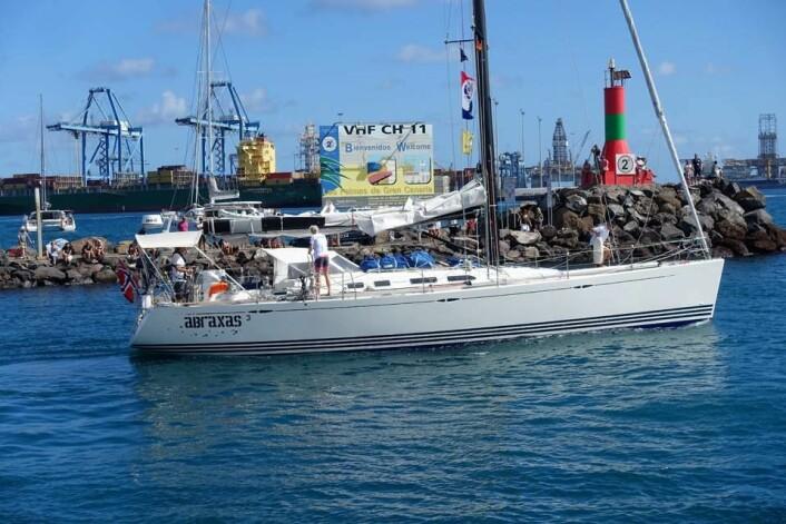FREMST: «Abraxas 3» har seilt lengst, men ligger langt vest hvord et er mindre vind, og derfor ikke beregnet som den første norske båten i mål, men dette kan endre seg.