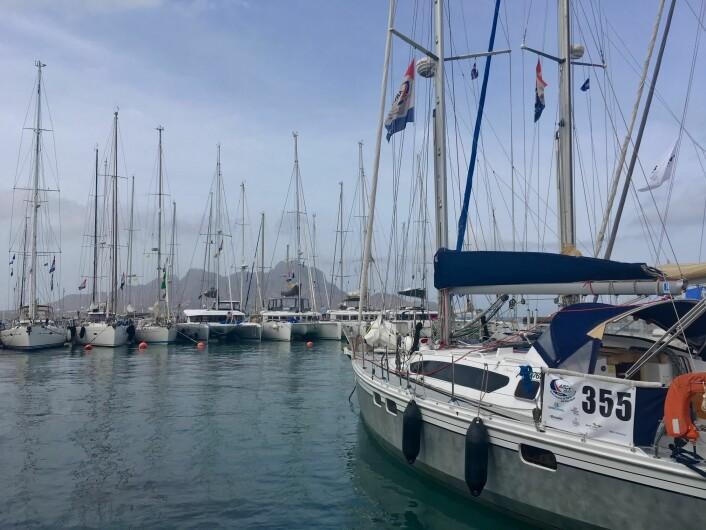 HAVN: «Oda» trygt fremme på Kapp Verde og i havna i Mindelo som ikke gir den beste beskyttelsen.