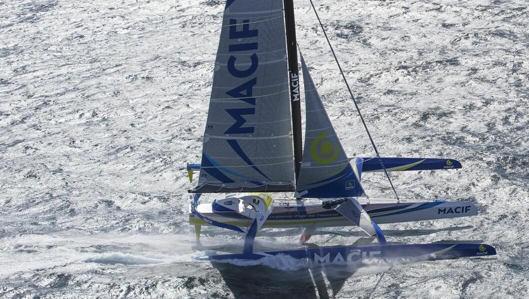 REKORD: Gabart klarte å seile «Macif» en snittfart på 34,4 knop over ett døgn.