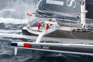 REKORD: «Idec Sport» med Francis Joyon som skipper har seilt jorda rundt på 41 døgn.