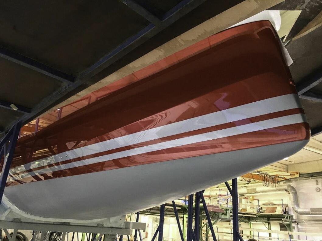 PROXYFLYER: Den røde Club Swan 50-en vil bli godt synlig i Oslofjorden og i onsdagsregattaene i Asker Seilforening.