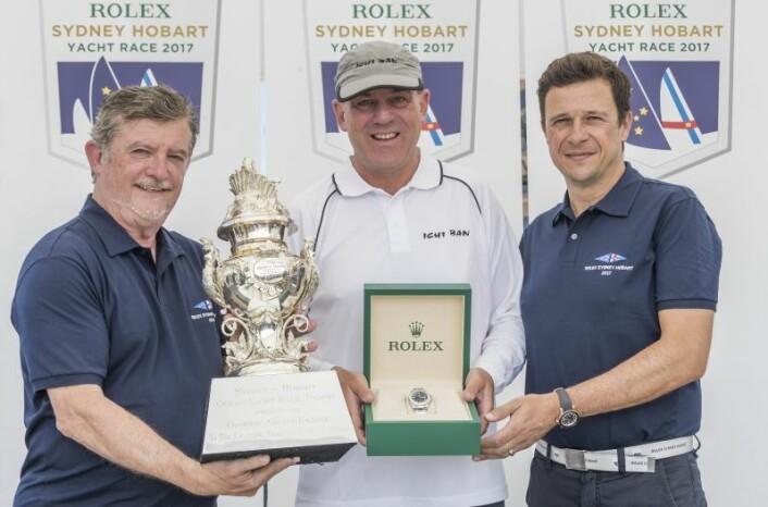 Overall vinner, John Markos (CYCA formann), Matt Allen (Ichi Ban) og Patrick Boutellier (Rolex Australia)