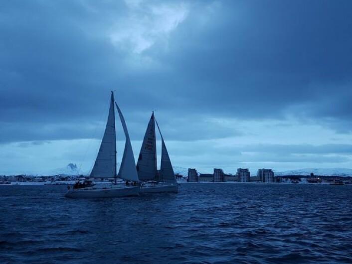 SJYVOTTEN: Bodø Seilforenings tradisjonsrike regatta foregikk i den blå timen.