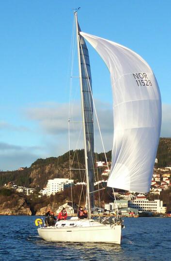 VANT: Håkon Jelstad kom først i mål blant de mellomstore båtene.