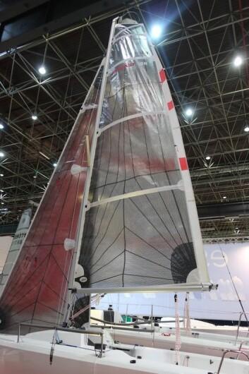 RIGG: Båten har mast fra Selden, og membranseil. Seilarealet på kryss er på 20 kvm.