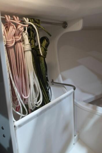 TOMT: Køyer i forpiggen er ekstra. Volumet egner seg for seil og utstyr.