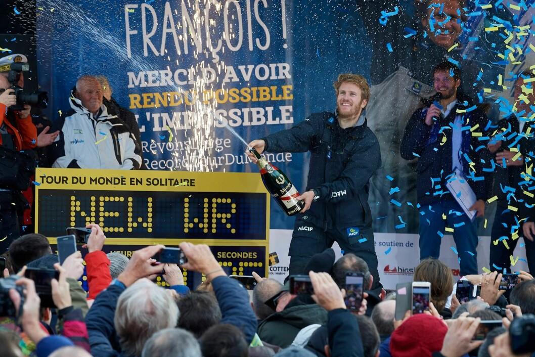 REKORD: François Gabart seilte jorden rundt alene med en snittfart på 27,2 knop. Hadde han seilt ett år tidligere, ville han også tall Jules Verne-trofeet.