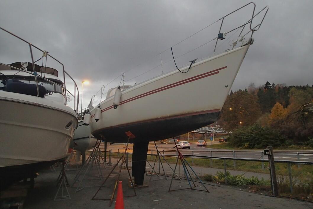 UHELDIG: Vi setter båtene på land med alt for mye belastning på kjølen. Det er ikke båten bygget for å tåle, mener Dufour-direktøren. (Illustrasjonsbilde)