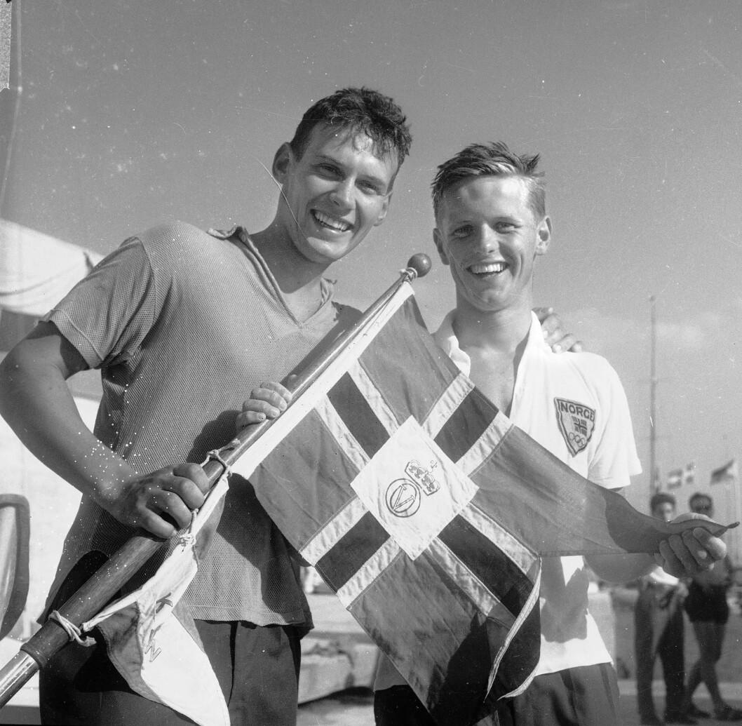 Olympiske leker i Roma. De norske seilerne Peder Lunde Jr (th) og Bjørn Bergwall tok gull i Flying Dutchman-klassen med båten Sirene. Seilingen fant sted i Napoli.