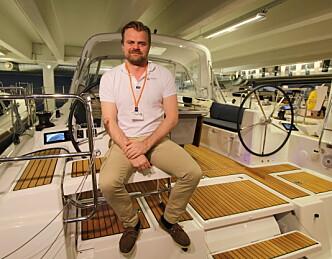 Selger seilbåter i utlandet