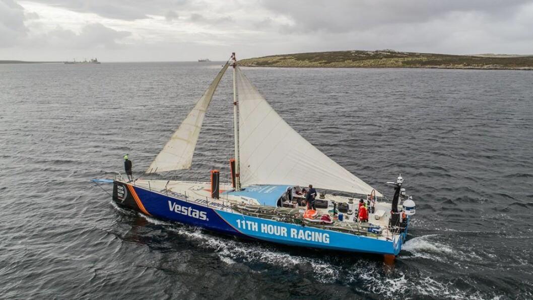 SEIL: «Vestas» valgte å utstyre båten med en nødrigg for å rekke starten på neste etappe.