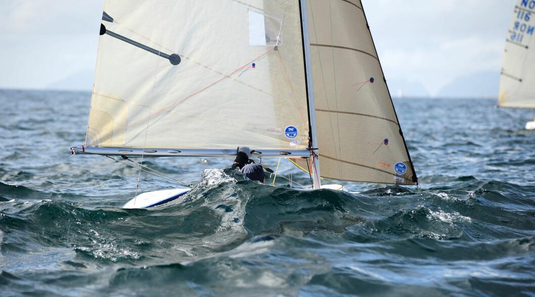 I ÅLESUND: 2.4 mR-seilerne åpner NM-sesongen på fjorden utenfor Ålesund.