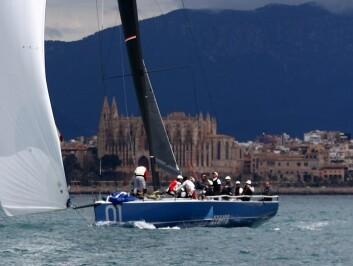 TP52: Italienske «Azzura» har dominert TP52-klassen. Laget har nå fått sin fjerde båt, og møter seks andre nygbygde TP52-båter.