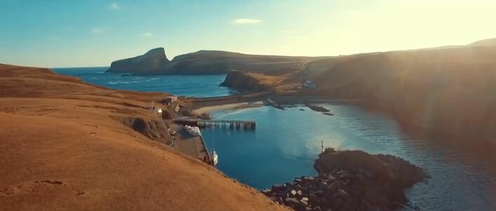 IDYLL: Fair Isle er vanligvis er værhardt sted, men var rene idyllen når Erik Aanderaa besøkte øya i mars.