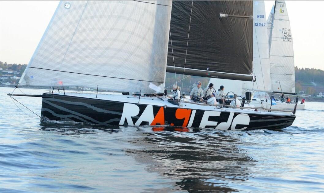 RÅ: Christen With & co klarte å få det meste ut av HH 42 «Raa Glede» på vei til Skagen.