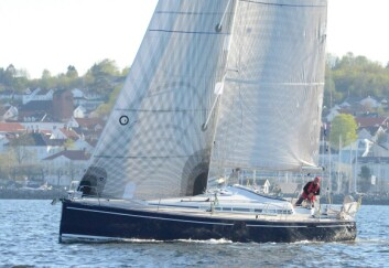 START: Christer Lie seiler en Arcona 430. En stor båt for soloseiling.