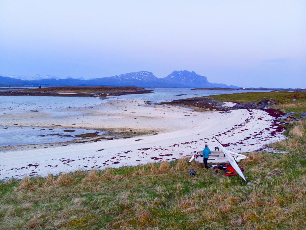 PARADIS: Magne Klann opplever seiling i fantastiske omgivelser på Helgelandskysten.