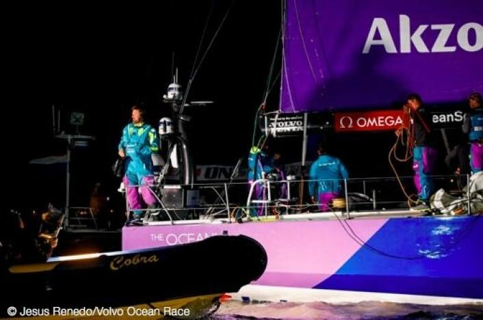 «AkzoNobel» tok 2. plass på etappe 9, men satte ny fartsrekord
