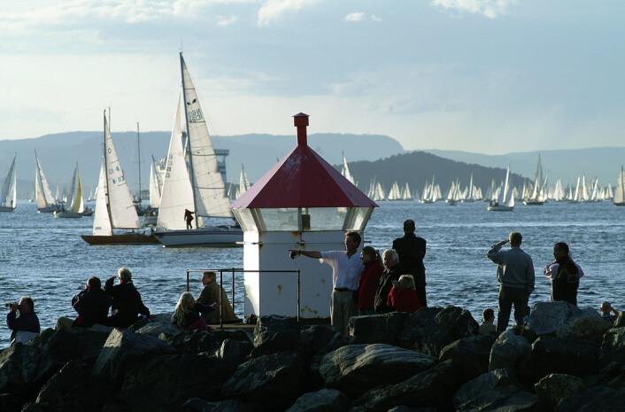 ENORMT: På begynnelsen av 2000-tallet ble det solgt rekord mange nye båter, og det gjorde også at deltagerantallet lå høyt. Arkivbilde fra Drøbak i 2003.